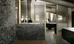 Vintage interiors largely clad in wood and stone / Luxurious Black Pearl Chalet For Stunning Holidays in the French Alps Interior Design Blog, Luxury Ski, Luxury Homes, Luxury Retreats, Bathroom Interior Design, Vintage Interiors, Interior Design Trends 2015, Chalet, Grey Interior Design