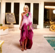 DIY maternity caftan- Maternity my hiney, how about for a big girl as well?