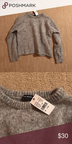 Brandy Melville grey cropped sweater Cropped thick sweater One size Color on model a bit lighter than in real life Brandy Melville Sweaters Crew & Scoop Necks