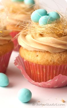 Love these #Easter #Cupcakes using spun sugar to make the nest for the eggs to sit in #EasterEgg #Baking