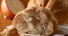 Pečená cibuľka dodá klasickému chlebíku vítanú sladkosť anádhernú arómu. Pizza, Bread, Food, Kitchen, Basket, Dulce De Leche, Sweets, Bread Recipes, Cooking