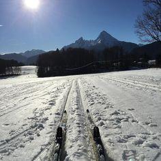 einen guten Start ins neue Jahr 2018! Wünscht euch bergsports.de a happy new year 2018 from http://bergsports.de ! #bergsports #berchtesgaden #königssee #watzmann #alpen #berge #berchtesgadenerland #deinbayern #meinbayern #xmas2018 #sonne  #glück #liebe #alps #bayern #panorama #langlauf #skating #neujahr #happynewyear #silvester