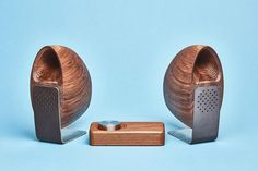 Grovemade Supplements Its Wooden Accessories With a Set of Speakers: Grovemade taps industrial designer Joey Roth for the latest addition to its desktop setup. Wood Speaker, Built In Speakers, Desktop Speakers, Diy Speakers, Speaker Design, Mens Gear, Speaker System, Wearable Technology, Walnut Wood