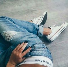 Converse White Low and Calvin Klein Underwear / www.unickz.nl