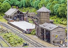 Along the mainline headed out of Chadwick was a transfer point with a small narrow gauge logging operation. N Scale Model Trains, Model Train Layouts, Scale Models, Escala Ho, Electric Train Sets, Garden Railroad, Ho Trains, Thing 1, New Property
