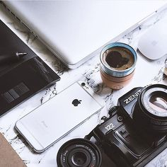 • Tools of the trade   By @gurukahveci #AppleAndCoffee ☕️