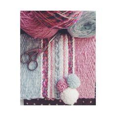 "66 Likes, 11 Comments - @geraldinaonyszkow on Instagram: ""#wovenwallhanging #weaving #mybeautifulmess #vsco #tapestry #pompom #diy #birdscissor"""