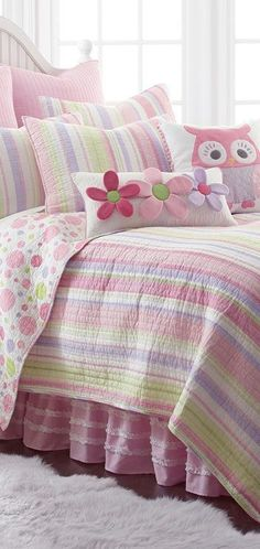 Kids Floral Quilt: This quilt combines the greens and pinks of spring with polka dot patterns making your kids space into a whimsical wonderland. Little Girl Beds, Bed For Girls Room, Girl Room, Girls Bedroom, Bedroom Decor, Bedroom Ideas, Bedrooms, Twin Quilt, Quilt Bedding