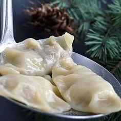 ŚWIĘTA CORAZ BLIŻEJ - pierogi z kapustą i grzybami!!!  #pierogizkapustaigrzybami #pierogi #PodNiebienie #dumplings #wigilia #christmas #christmas2016 #wiemcojem #healthyfood #healthyeating #kitchen #polishblogger #kuchnia #foodporn #pornfood