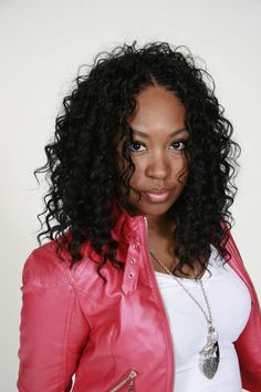 30 Protective Tree Braids Hairstyles For Natural Hair - Part 29 Getting tired of the same old protective hairstyles? Try a tree braids style for a fun new way to get a long haired look that keeps your real strands safe! Micro Braids Hairstyles, African Hairstyles, Protective Hairstyles, Girl Hairstyles, Black Hairstyles, Protective Styles, Crochet Weave Hairstyles, Glamorous Hairstyles, Bouffant Hairstyles