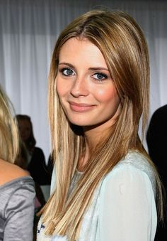 Mischa Barton Natural Look..she really got the  beautiful hair always...