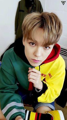 hes actually perfect Woozi, Wonwoo, Jeonghan, The8, Seungkwan, Vernon Seventeen, Seventeen Debut, Hip Hop, Choi Hansol