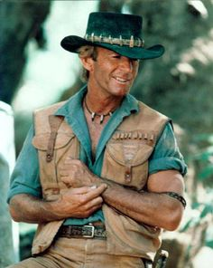 Crocodile Dundee I thought he and my dad were one in the same for so long! Paul Hogan Crocodile Dundee, Famous Men, Famous People, Moon In Leo, Film Movie, Movies, Australian Actors, Star Wars, About Time Movie