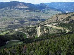 These 12 Beautiful Byways In Wyoming Are Perfect For A Scenic Drive Yellowstone National Park, National Parks, Yellowstone Map, Wyoming Vacation, Tennessee Vacation, Alaska Travel, Alaska Cruise, Mountain Landscape, Vacation Spots
