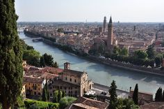 The top attractions in Verona Italy, a great day trip from Venice, including a medieval fortress, ancient Roman ruins, the famed arena of Verona, and more!