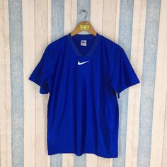 b5253a8f9 NIKE Jersey Men Women Blue Medium Vintage 90 s Jersey Sportswear Nike  Swoosh Big Logo Nike Sports Basketball Nba T shirt Size M