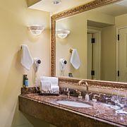 Davenport Hotel Superior Room bathroom