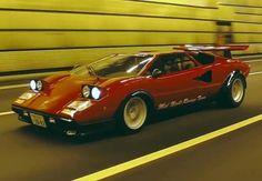 Cars and stuff I guess Lamborghini Diablo, Lamborghini Veneno, Classic Japanese Cars, Classic Cars, Mclaren Mercedes, Porsche, Retro Helmet, Tuner Cars, Jaguar E Type