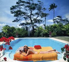 Slim Aarons, poolside