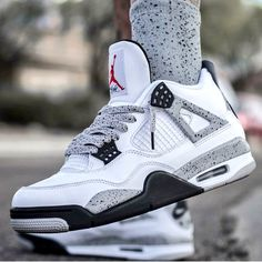 timeless design 66790 93f8f DRESSING HOMME · Jordan 4 White Cement w  Cement Laceswap