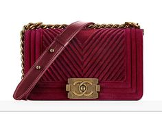 Check Out 90 Pics Prices of Chanel's New Metier d'Art 2017 Bags, In Stores Now Burberry Handbags, Chanel Handbags, Fashion Handbags, Latest Handbags, Latest Bags, Chanel Medium Flap Bag, Chanel Reissue, Bags 2017, Classic Handbags