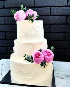Свадебный торт с живыми цветами 10кг