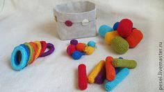 `Сортировка`. Развивающая игрушка сортировка, четыре вида элементов по семь цветов, можно разложить по виду и цвету. Под основу использовала кольца от штор, контейнеры от шоколада, катушки от ниток, пластмассовые шарики, все можно…