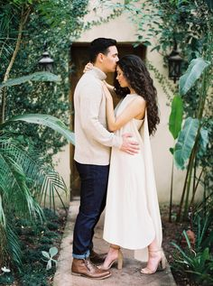 Contemporary Engagement and Couples Session at Villa Catalana by Donny Zavala Photography Wedding Couple Poses Photography, Documentary Wedding Photography, Engagement Photography, Engagement Session, Engagement Photos, Family Photography, Photography Ideas, Family Photo Outfits, Engagement Photo Outfits