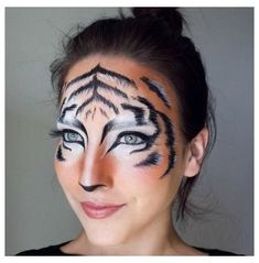 Different Halloween Costumes, Cute Cat Costumes, Tiger Halloween Costume, Halloween Makeup Sugar Skull, Creepy Halloween Makeup, Skeleton Makeup, Costume Ideas, Skull Makeup, Halloween Candy