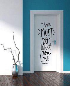 30 grandes ideas para decorar un departamento de soltera Wall Stickers, Wall Decals, Wall Murials, Door Wall, Wall Art, Bedroom Doors, Bedroom Wall, Home And Deco, Wall Quotes