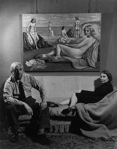 Giorgio de Chirico e sua moglie nel 1951 [foto di Philippe Halsman] Robert Mapplethorpe, Robert Doisneau, Gordon Parks, Italian Painters, Italian Artist, Spanish Painters, Man Ray, Magnum Photos, Richard Avedon