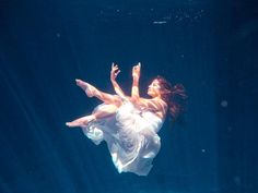 Underwater Trash The Dress Session / Cenote Riviera Maya ©FineArt Studio Photography