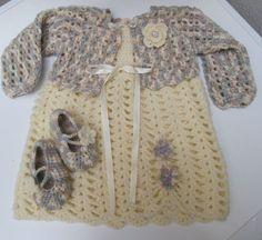 Abiti neonato in lana/Vestitino bimba uncinetto con scarpine e coprispalla
