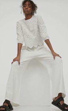 Long Denim Shirt, Long Blouse, Ruffle Collar Blouse, Satin Shirt, Mode Birkenstock, Style Personnel, Peplum Shirts, Crisp White Shirt, Satin Blouses