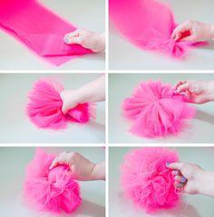 How to make pompoms step by step - Pompons Step tul pompoms pompons Tulle Crafts, Pom Pom Crafts, Diy And Crafts, Crafts For Kids, Tulle Poms, Paper Pom Poms, Tissue Paper, Tulle Tutu, Felt Flowers