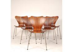 Vintage Model 3107 Chair by Arne Jacobsen for Fritz Hansen 4