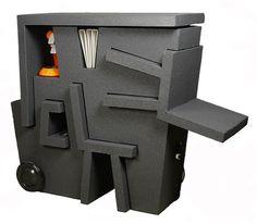 """""""Mobile Office"""" du designer néerlandais Tim Vinke est une solution mobile et compacte intégrant bureau, chaises, rangements et connexion électrique. Montée sur roues et réalisée en mousse de polystyrène expansé (EPS), légère et facilement dépl..."""