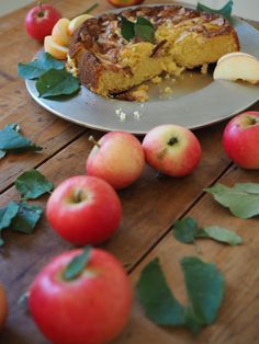 Norwegian Eplekake is simple, tasty & perfect to serve right out of the oven. The sweetness of sponge cake is complimented with the tanginess of the apples. Cookbook Recipes, Wine Recipes, Heritage Recipe, Norwegian Food, Scandinavian Food, Swedish Recipes, Norwegian Recipes, Fresh Apples, Sliced Almonds