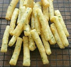 Resep Stik Kentang Keju Indonesian Food, Indonesian Recipes, Onion Rings, Cake Cookies, Crockpot, Steak, Food And Drink, Cooking Recipes, Cheddar