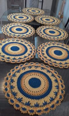 ideas crochet rug patterns t shirt yarn granny squares Motif Mandala Crochet, Crochet Edging Patterns, Doily Rug, Lace Doilies, Crochet Designs, Crochet Kitchen, Crochet Home, Crochet Mandela, Crochet Placemats