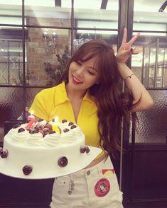 160611 Hyuna's birthday celebration with fans Hyuna Kim, Kim Hyun, Triple H, Hyuna Fashion, Wonder Girls Members, Rapper, 17 Kpop, Korean Couple, My Little Baby