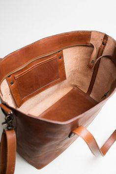 Diy Leather Tote Bag, Leather Bag Tutorial, Small Leather Bag, Leather Bags Handmade, Leather Purses, Leather Handbags, Leather Wallet, Leather Bag Pattern, Kelly Moore Bag