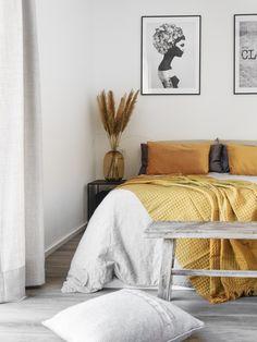 Senfgelb im Schlafzimmer