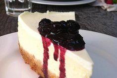 Neodoljiva torta sa bobičastim voćem i sirom Cheesecake, Sweet, Desserts, Cakes, Food, Deserts, Candy, Tailgate Desserts, Cake Makers