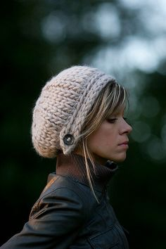 Super cute slouchy knit hat pattern - love the button!