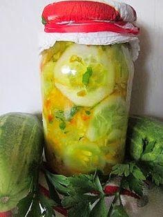 Sałatka ogórkowa z papryką w kurkumie do słoików na zimę Fresh Rolls, Pickles, Cucumber, Ethnic Recipes, Food, Pickling, Health And Beauty, Essen, Meals