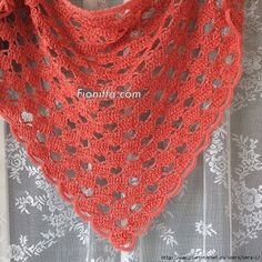 Crochet World added 5 new photos — with La Morocha Day and 4 others. Knitted Afghans, Crochet Poncho, Crochet Scarves, Crochet Stitches, Crochet World, Shawl Patterns, Crochet Patterns, Crochet Triangle, Crochet Shawls And Wraps
