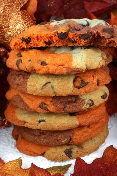 Harvest Marble Chocolate Chip Cookies - a classic cookie all dressed up for Fall and Thanksgiving. This unique and tasty Thanksgiving cookie would be great Thanksgiving dessert idea for a potluck…More Thanksgiving Cookies, Thanksgiving Potluck, Fall Cookies, Yummy Cookies, Potluck Dinner, Potluck Ideas, Thanksgiving Baking Ideas, Christmas Cookies, Bake Sale Cookies