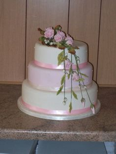 Darrells Wedding and Celebration Cakes