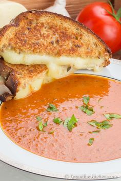 This homemade Tomato Mascarpone Soup is creamy, rich in flavour and so easy to make!